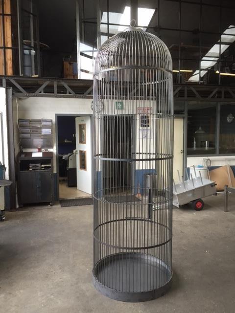 Grote vogelkooi - GrownDownTown
