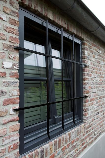 Raamhekwerk - raamdecoratie - raambeveiliging - Bouwbedrijf van Marrewij