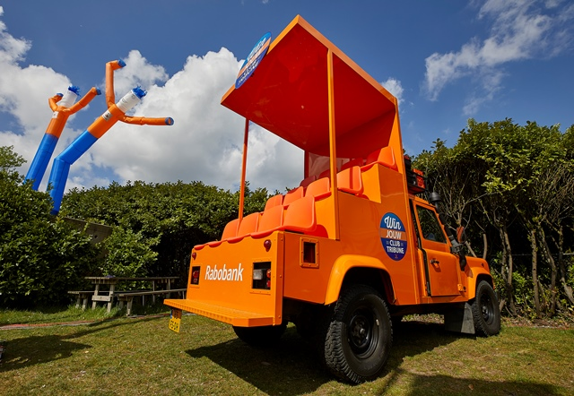 Tribunewagen Defender - Rabobank - Kumpany