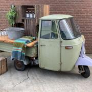 Buitelaar Verhuurt : Rollend voertuig Piaggio groen