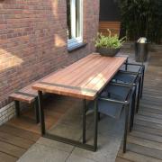 Buitelaar Metaal - Terrastafel met bank - uit metaal en hout