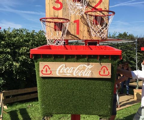 Basketbal spel recycling festival -Boozed